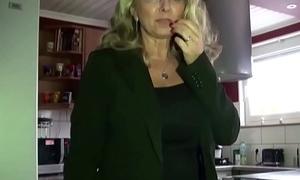 Geile MILF mit MEGA Titten von Charlady auf Arbeit gefickt