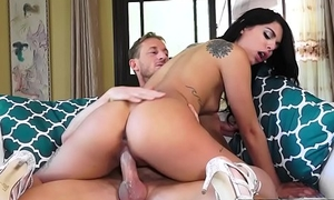 Mofos - Latin babe Sex Tapes - (Gina Valentina, Ryan Mclane) - Sexting Latin babe