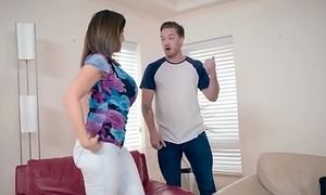 Brazzers - Mommy Got Boobs - (Sara Jay, Kyle Mason) - Putting Her Boobs