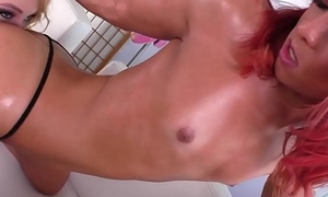 Redhead shemale queening young beauty