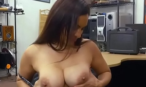 Mummy Sophie Leon shakes her ass for a hardcore fuck with Shawn