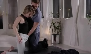 Flexible Lilly Set to work fucks a huge hard cock