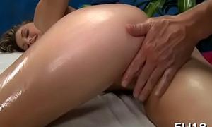 Nude massages