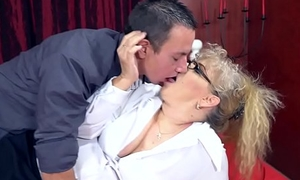 Pernicious Granny'_s sexual pleasures