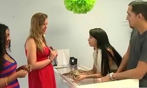 Hot Old bag Teen Cookie (Esmi Lee&amp_Ava Taylor) Bang For Some Cash vid-10