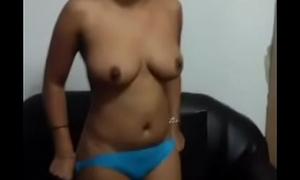 Desi girl showing boobs.... evident audio hindi