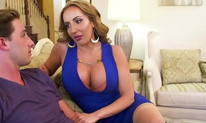 Mummy Richelle Ryan needs young cock! Naughty America
