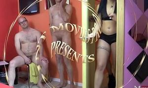 Junge Bi-Girls verw&ouml_hnen Muschi und 5 Schw&auml_nze - SPM AmandaCarmela TR132