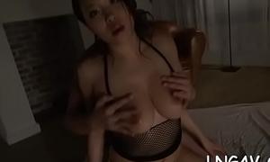 Whore in bondage deepthroats on shlong