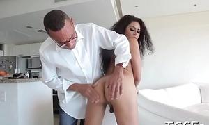 Shemale slut gets fucked